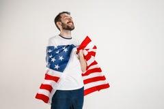 Giovane con la bandiera degli Stati Uniti d'America fotografie stock