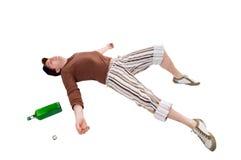 Giovane con la bottiglia verde Fotografie Stock
