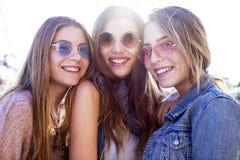 Giovane concetto di amicizia della gioventù del gruppo Fotografia Stock