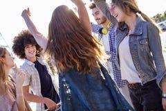 Giovane concetto di amicizia della gioventù del gruppo Immagini Stock