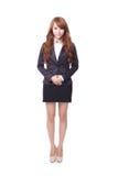 Giovane condizione sicura della donna di affari Immagini Stock