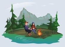 Giovane coppie, uomo e donna sedentesi intorno al fuoco di accampamento nel legno sulla riva del lago Escursione, attivo all'aper illustrazione vettoriale