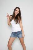 Giovane dancing sorridente della ragazza Fotografia Stock