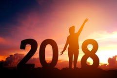 Giovane della siluetta felice per 2018 nuovi anni Fotografia Stock Libera da Diritti