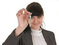 Giovane donna in abbigliamento dell'ufficio. immagine stock libera da diritti