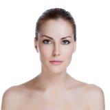 Giovane donna adulta con la pelle di salute del fronte Fotografie Stock Libere da Diritti