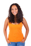 Giovane donna afroamericana con capelli lunghi Fotografie Stock Libere da Diritti