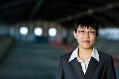 Giovane donna asiatica di affari fotografie stock libere da diritti