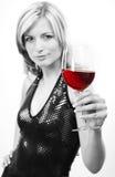 Giovane donna attraente con bicchiere di vino Immagini Stock Libere da Diritti
