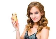 Giovane donna attraente con vetro di champagne. Fotografie Stock Libere da Diritti