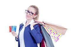 Giovane donna attraente di debito della carta di credito Fotografia Stock Libera da Diritti