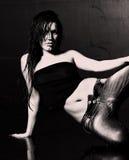 Giovane donna bagnata sexy Immagine Stock