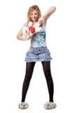 Giovane donna bionda con il giocattolo dell'orso di orsacchiotto Fotografia Stock Libera da Diritti
