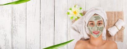Giovane donna in buona salute con la maschera di protezione Fotografie Stock