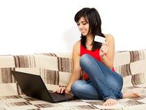 Ordinando online dalla casa Immagini Stock