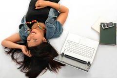 Giovane donna casuale dell'allievo Fotografia Stock Libera da Diritti