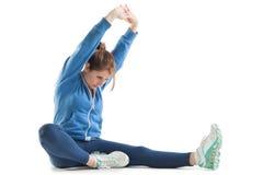 Giovane donna che allunga sulle mani Fotografia Stock