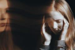 Giovane donna che avverte le allucinazioni Immagine Stock