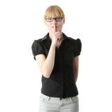 Giovane donna che guesturing per il quiet Fotografia Stock Libera da Diritti