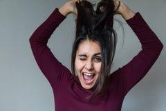 Giovane donna che ha divertimento Fotografia Stock Libera da Diritti