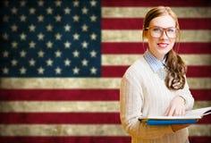 Giovane donna che impara l'inglese Immagini Stock