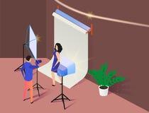 Giovane donna che posa nella vista isometrica di Photostudio royalty illustrazione gratis