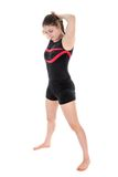 Giovane donna che prepara un esercizio relativo alla ginnastica Isolato sopra bianco Fotografia Stock Libera da Diritti