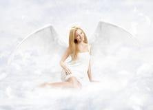 Giovane donna come angelo del Na Fotografia Stock