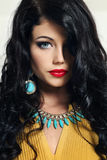 Giovane donna con bei capelli Fotografia Stock