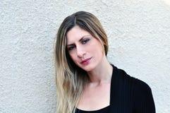 Giovane donna con capelli biondi Fotografia Stock Libera da Diritti