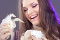 Giovane donna con capelli lunghi Fotografie Stock Libere da Diritti