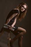 Giovane donna con il sacchetto Fotografia Stock