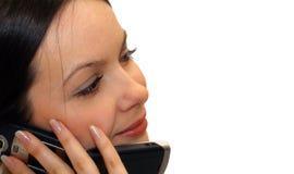 Giovane donna con il telefono mobile Immagini Stock Libere da Diritti