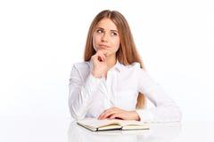 Giovane donna con la penna ed il diario Fotografie Stock Libere da Diritti
