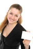 Giovane donna con la scheda bianca Fotografia Stock Libera da Diritti