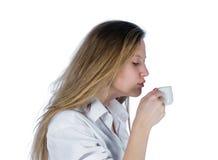 Giovane donna con la tazza immagini stock