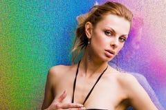 Giovane donna con priorità bassa luminosa Fotografia Stock Libera da Diritti