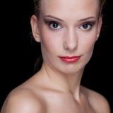 Giovane donna con rossetto rosso Fotografia Stock Libera da Diritti