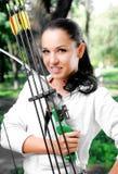 Giovane donna con un arco e le frecce Immagine Stock Libera da Diritti