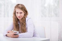 Giovane donna crudele fotografia stock libera da diritti