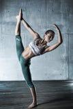 Giovane donna della ginnasta Fotografie Stock Libere da Diritti