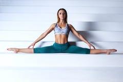 Giovane donna della ginnasta Fotografie Stock