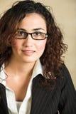 Giovane donna di affari adulta Immagini Stock Libere da Diritti
