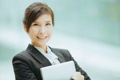 Giovane donna di affari asiatica Fotografia Stock