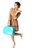 Giovane donna di affari Carrying Briefcase immagine stock libera da diritti