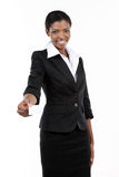 Giovane donna di affari che tiene biglietto da visita bianco Immagini Stock Libere da Diritti