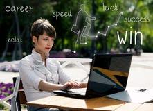 Giovane donna di affari con il computer portatile Immagine Stock Libera da Diritti