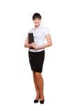 Giovane donna di affari con il dispositivo di piegatura Immagini Stock Libere da Diritti
