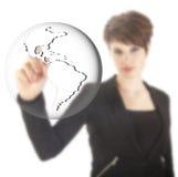 Giovane donna di affari con il globo della terra isolato Fotografie Stock