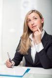 Giovane donna di affari premurosa Immagine Stock